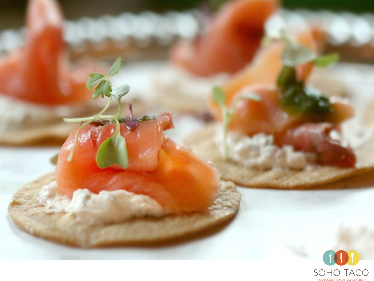 Salmon soho taco for Canape de salmon ahumado